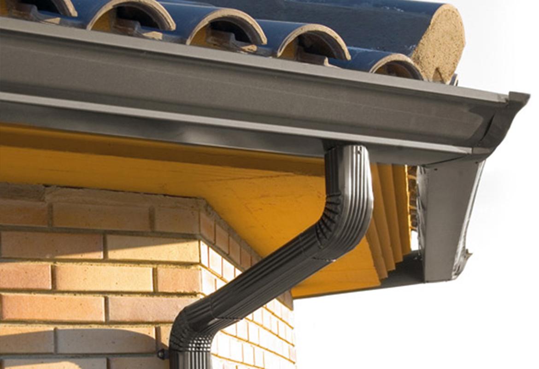 Montaje e instalaci n canalones for Canalon de aluminio